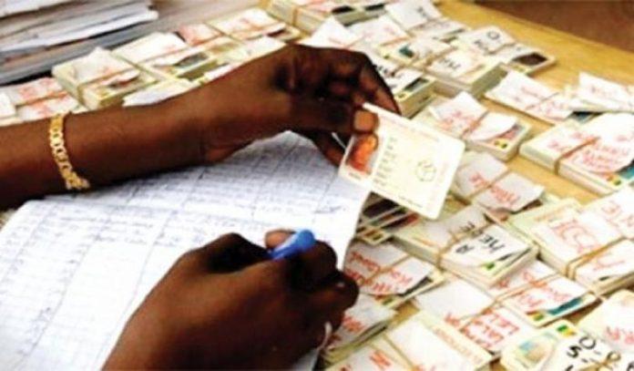 Plus de 300.000 cartes d'identité en souffrance