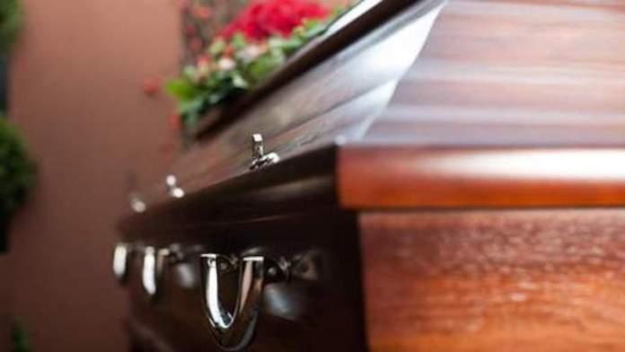 Le cercueil qui tue
