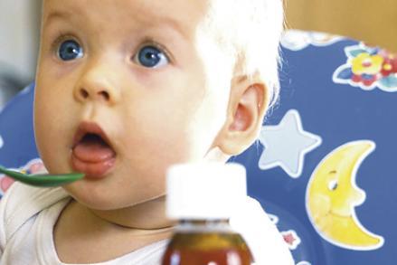 Les bonnes façons de donner un médicament à un bébé
