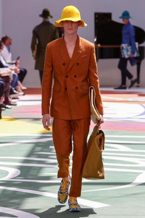Burberry Prorsum SS15 Photo by Gio  Staiano NowFashion com