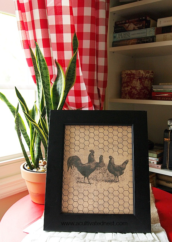 Free Home Decor Printable Chickens Burlap & Chicken Wire! A