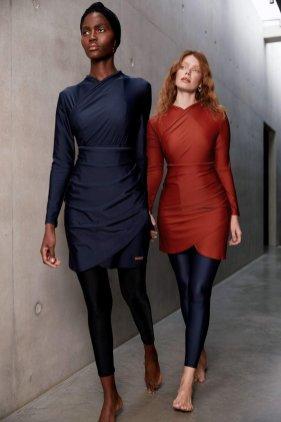 https://lyraswimwear.com/