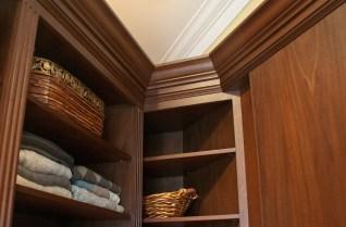 580 inside corner molding