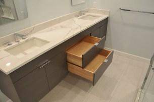 120 vanity drawers center