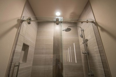 Skyline Shower Door Installation - A Cutting Edge Glass & Mirror