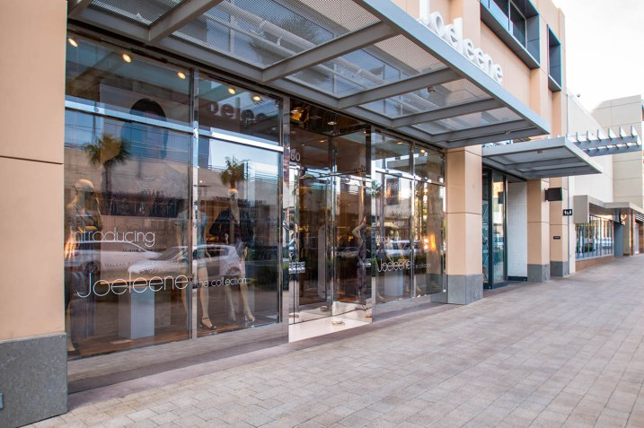 Commercial Glass Storefront in Downtown Summerlin