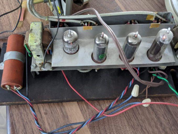 Amplificador estéreo a bulbos. General Electric c.1960s