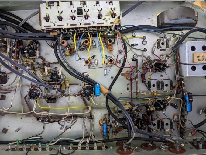 Amplificador integrado Emerson 66