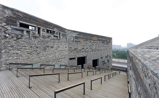Ningbo Historic Museum / Wang Shu, Amateur Architecture Studio (11) © Iwan Baan