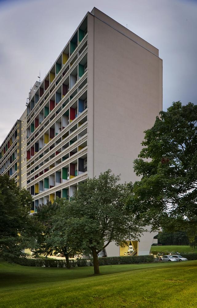 1311691801-le-corbusier--c--thomas-lewandovski.jpg (641×1000)