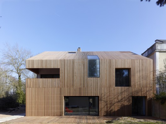 inspiracje prosty dom z drewnian elewacj budowa domu nowoczesnego. Black Bedroom Furniture Sets. Home Design Ideas