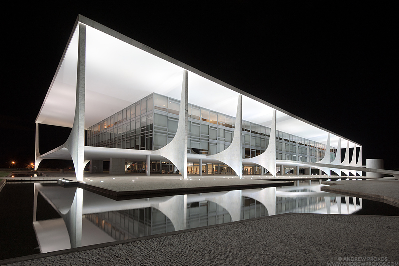 Arquitecto niemeyer escenarq architects - Arquitecto de brasilia ...
