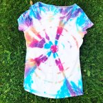 Create your own awesome Tie-dye t-shirt with this tutorial!