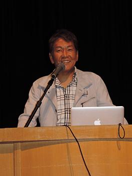 講師の久保田弘信さん