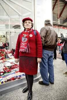 Die 66-jährige Jesus Mendes Lopes dos Santos verfolgt alle Partien ihres Clubs. Sie ist Benfica-Fan, seit sie denken kann