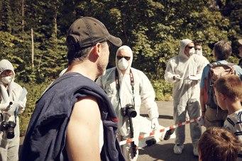 Der Tatort: Der mutmaßliche Mörder Jeff Robbins beobachtet die Spurensicherer.