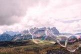 Col Margherita, Hochebene aus Porphyr (2513 Meter) am San-Pellegrino-Pass. Cellist Mario Brunello gab hier ein Sonnenaufgangskonzert.