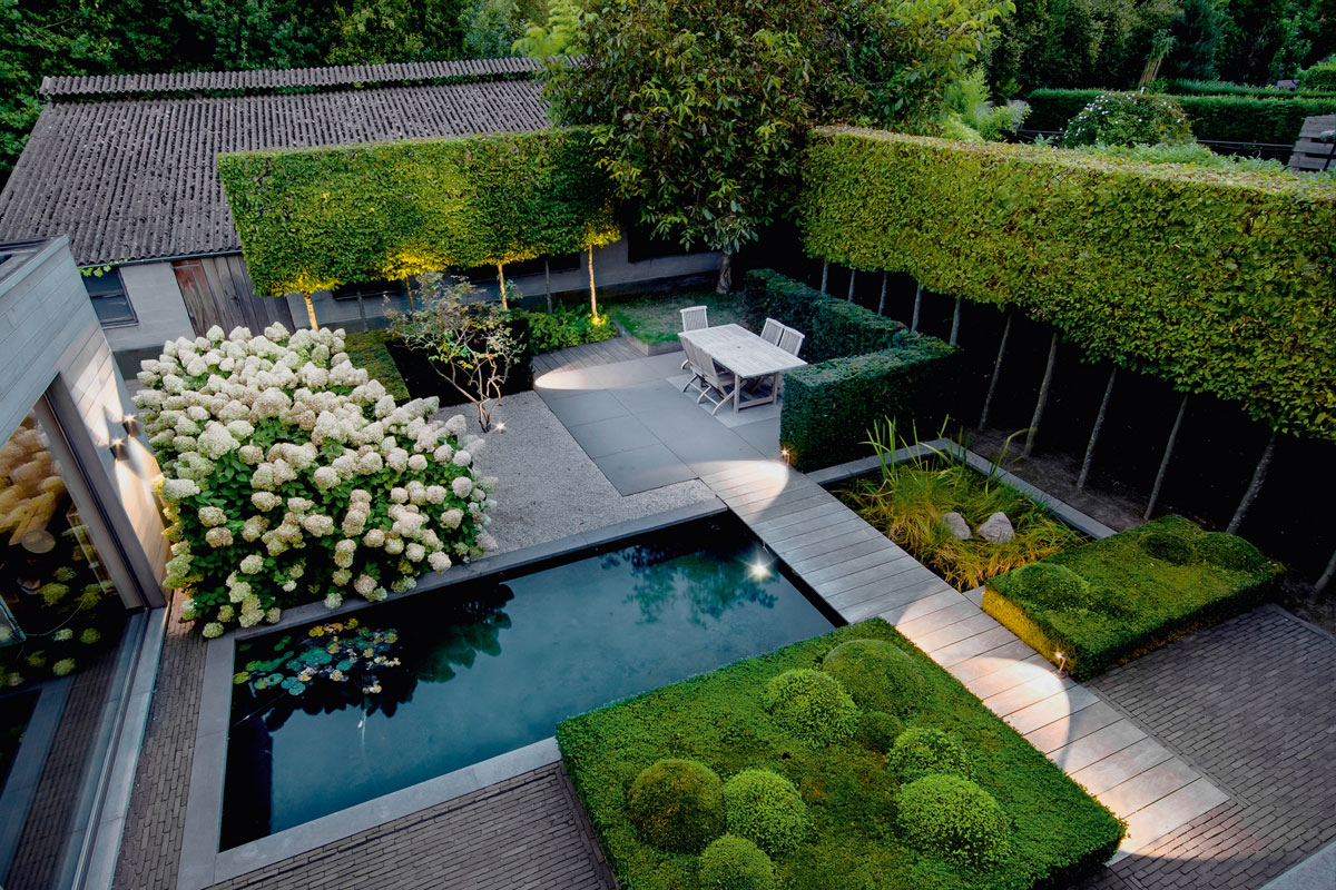 18 Great Contemporary Gardens  Design and Sculpture by