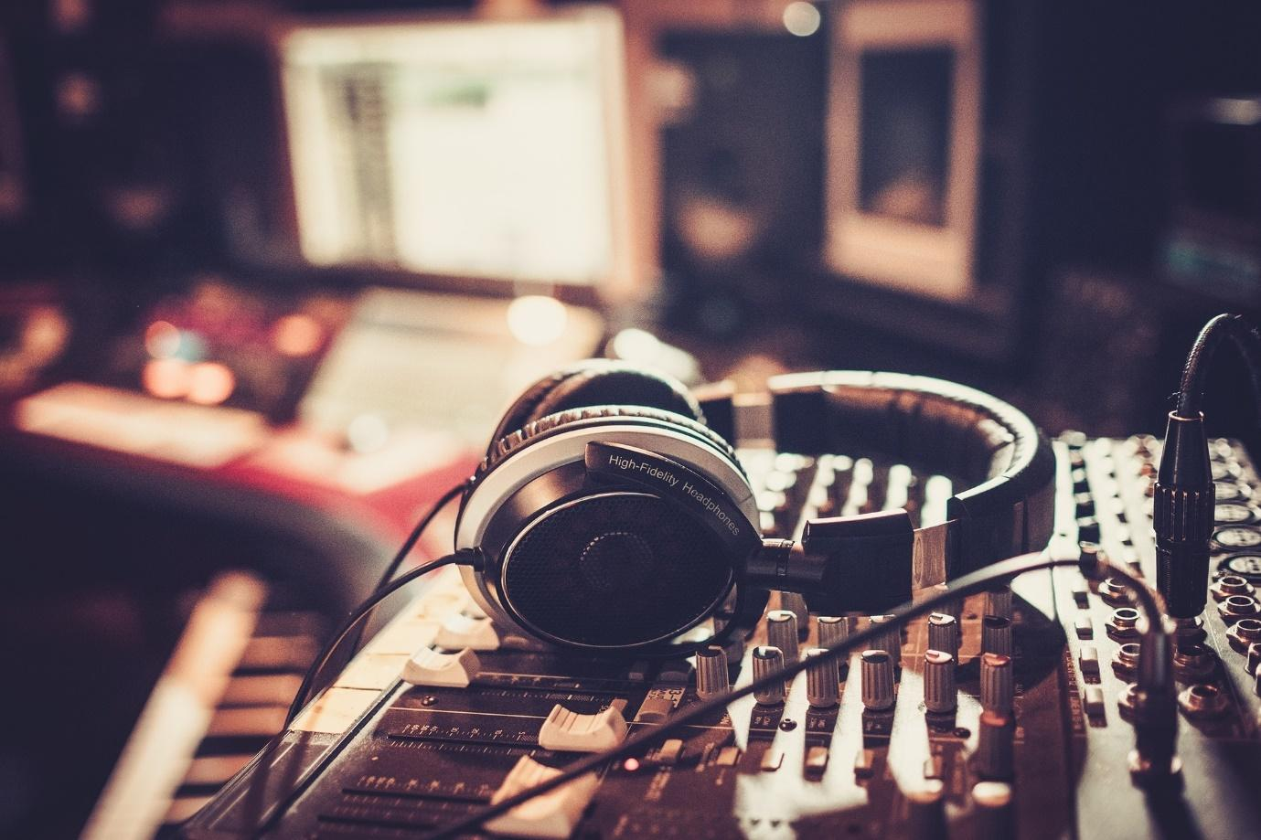 What to Look for When Buying Music Memorabilia