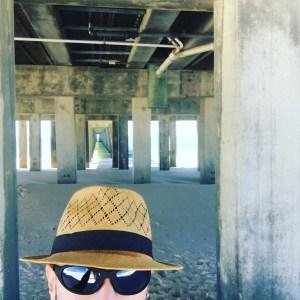 Hatselfie under the pier