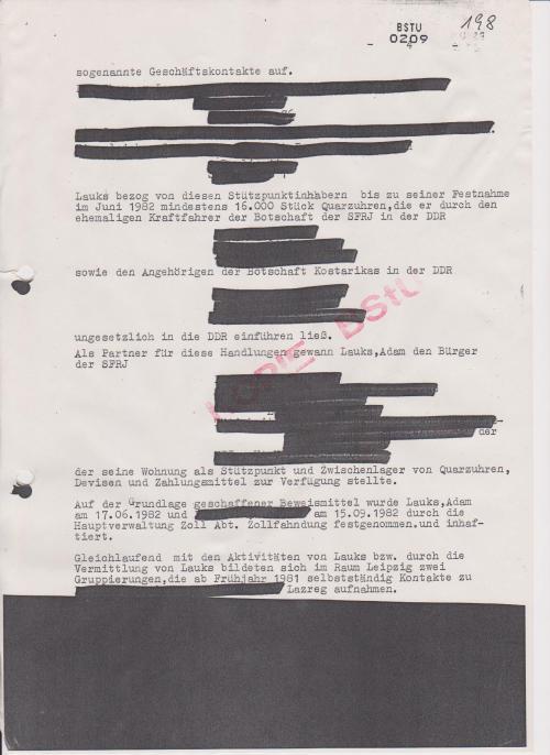 BSTU 0208 fehlt wieder und  hier heißt es. Auf dwer Grundlage geschaffener Beweismittel wurde Lauks, Adam am 17.6.1982 und XXXXX am 15.09.1982 durch die Hauptverwaltung Zoll Abt. Zollfahndung festgenommen.und inhaftiert.
