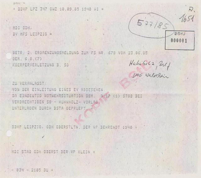 Der Täter wurde damals durch die STASI und danach durch Gauck und Birthler und Jahn geschützt - weil womöglich als V-Mann im einsatz !?