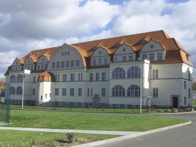 Haus 2 - Abteilung Chirurgie - Wirkungsstätte des Monsters im ArztMandel ChA Oberstleutnant Zacharias ehem. Leibarzt von Walter Ulbricht
