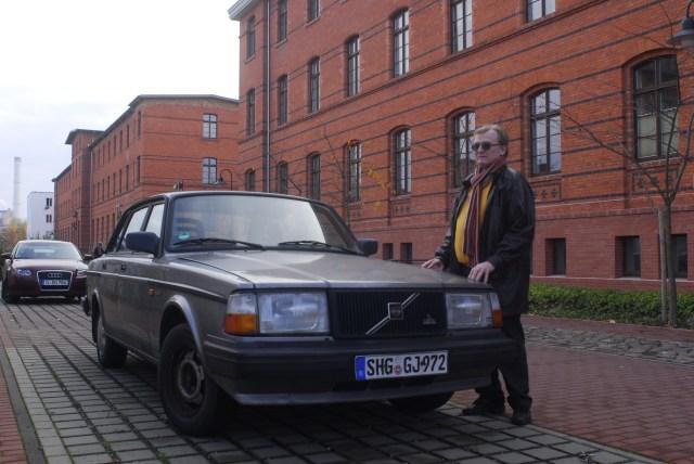 """""""Merkur"""" alias Adam Lauks vor der Absonderungs- oder seiner Isolationszelle im Haus 3 vom Zuchthaus Berlin Rummelsburg"""