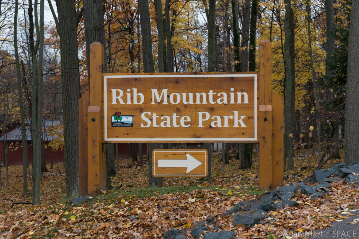 Rib Mountain State Park - Entrance sign at bottom of mountain