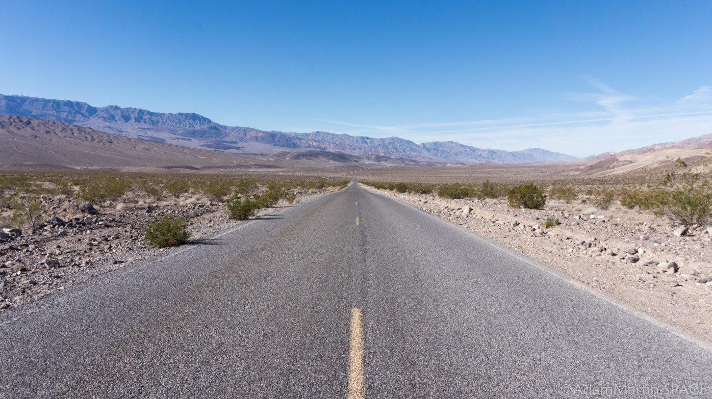 Death Valley - Driving back towards Stovepipe Wells