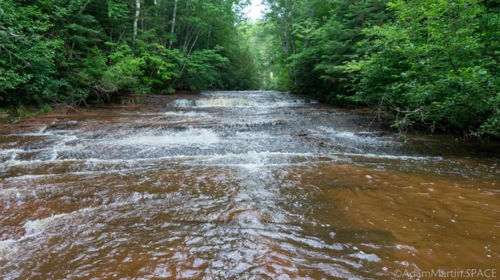 Siskiwit Falls - Large cascading drop in falls