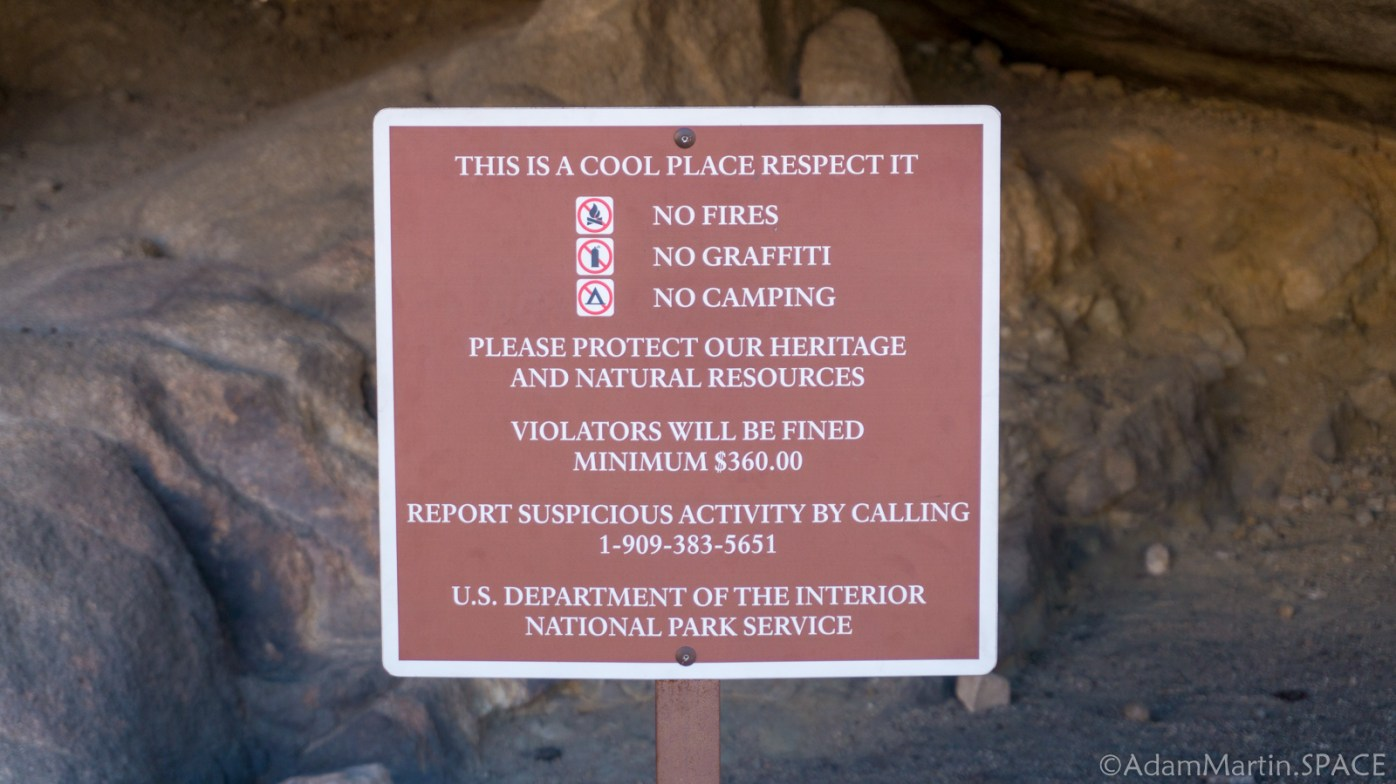 Joshua Tree - Sign on the Split Rock Loop