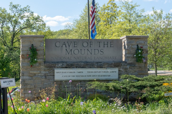 Cave Of The Mounds - Park Entrance