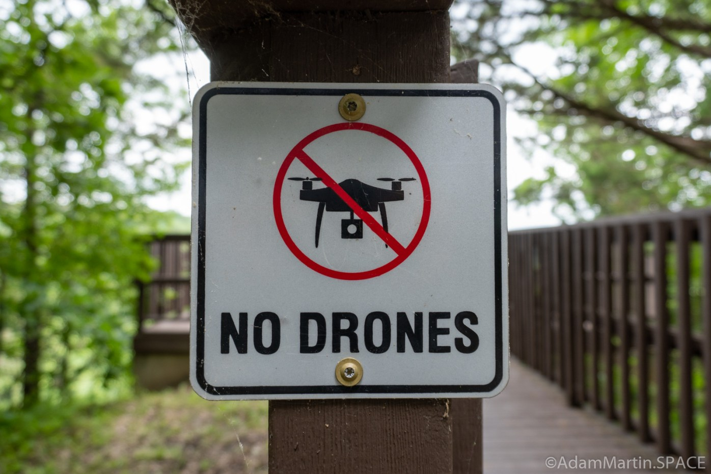 Kinnikinnic State Park - No Drones Warning Sign