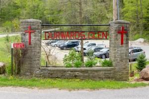 Durward's Glen - Entrance Sign