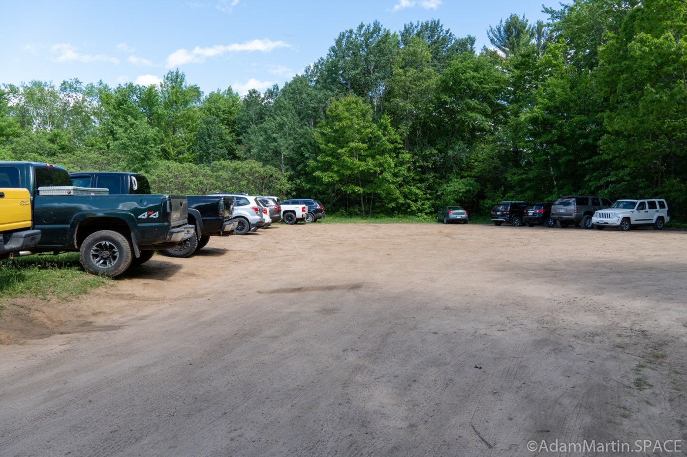 Little Bull Falls (Shawano) - Full parking lot at Gilmer Falls
