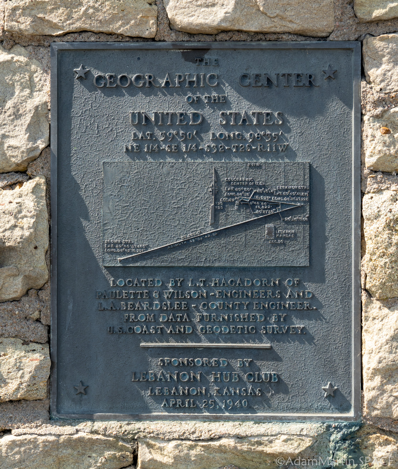 Geographic Center of the Contiguous United States - Plaque mounted on the stone marker