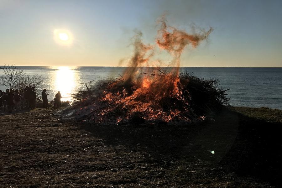 bonfire-15114350