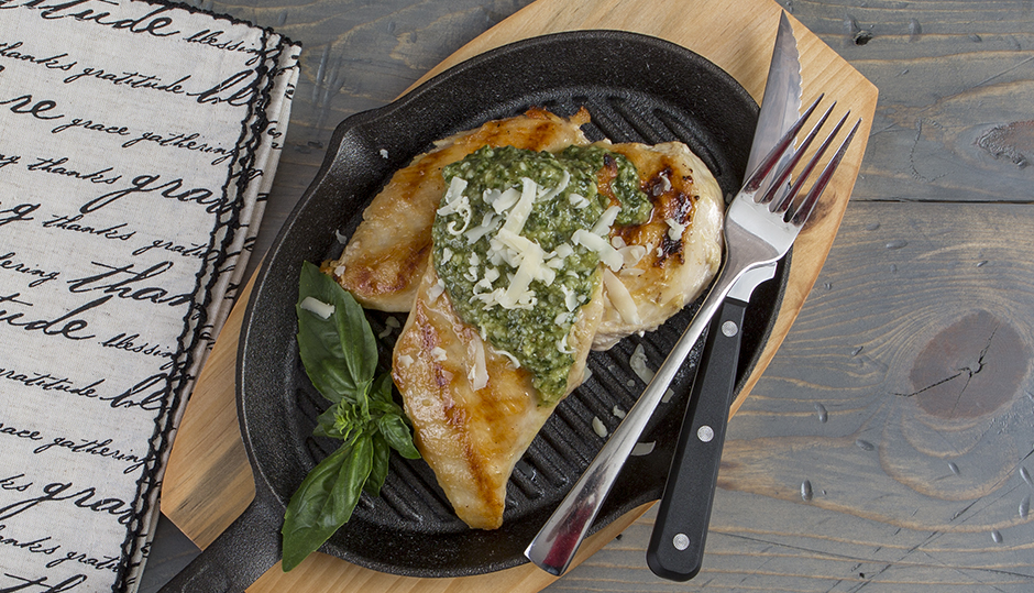 Grilled Chicken & Cheddar-Basil Pesto