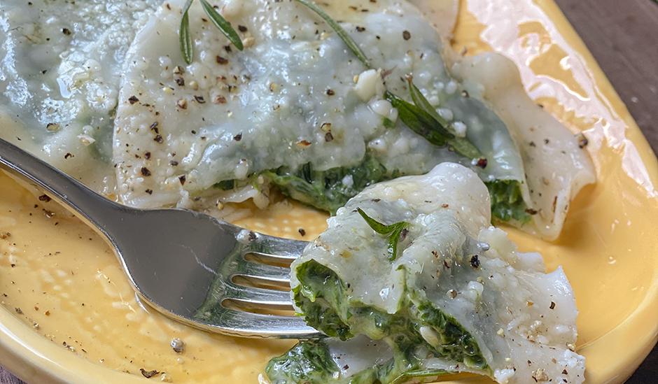 Spinach & Cheddar Ravioli with Cacio e Pepe Sauce