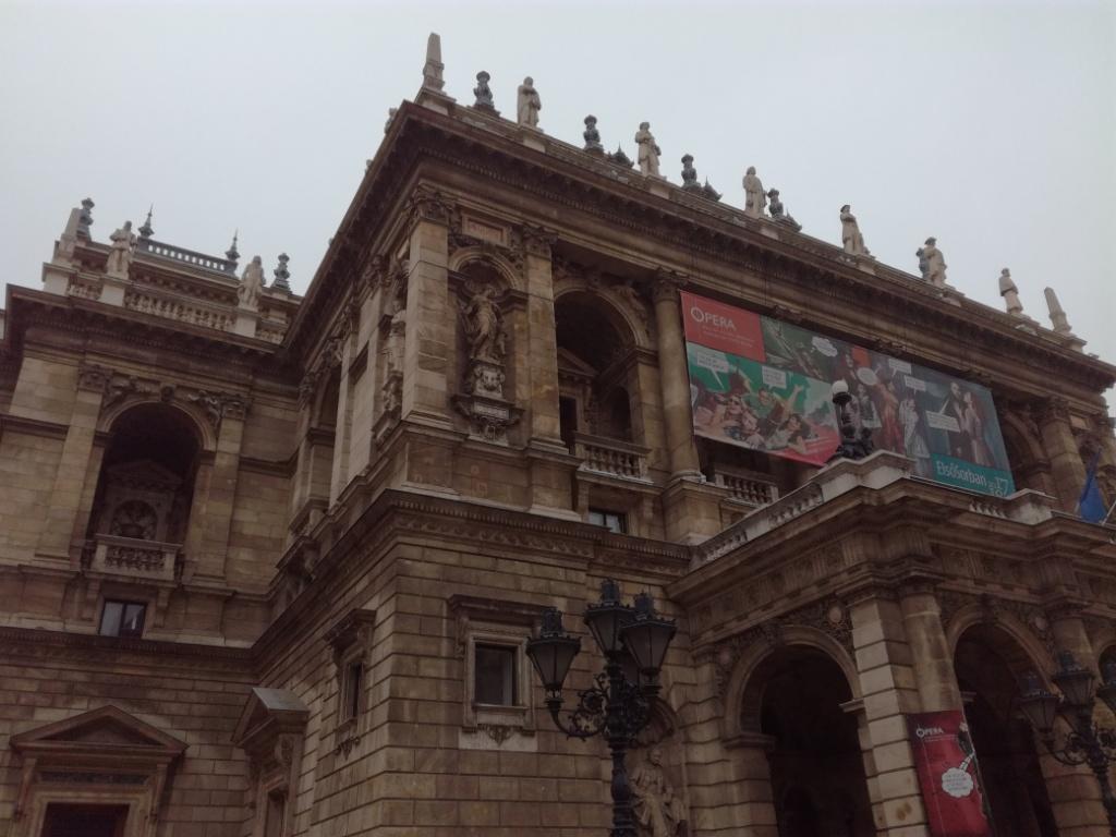 opera budapest madarsko