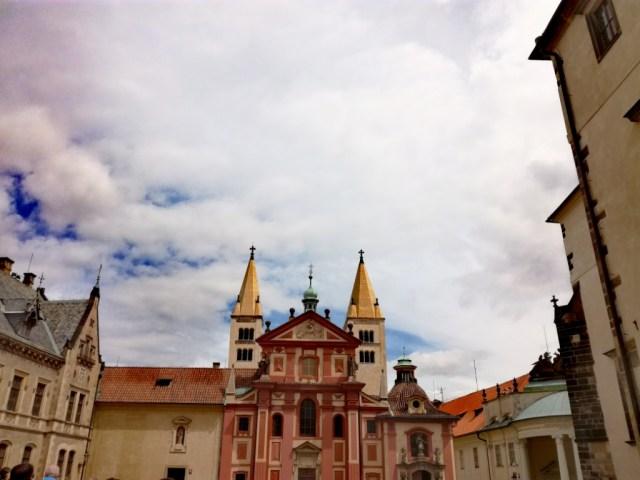 praha cechy cesko prazsky hrad bazilika sv. juraja