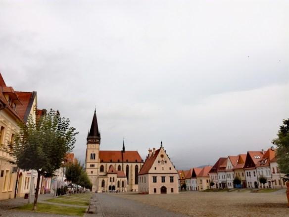 bardejov radnicne namestie mestska radnica bazilika minor sv. egidia mestianske domy