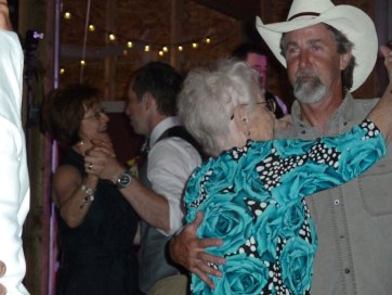 wedding-dancing-P1000573
