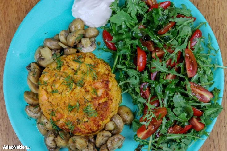 Juicy Sweet Potato Salmon Fishcake, Button Mushrooms & Rocket Salad p1