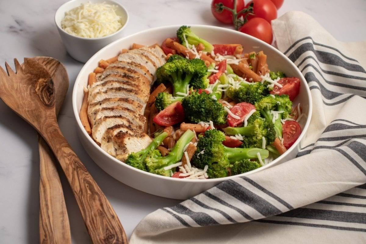 Cheesy Chicken and Broccoli Penne Pasta