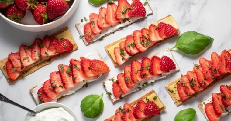Strawberry Crackers, Yogurt/Cheese