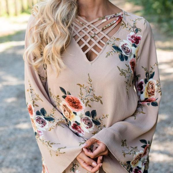 Floral Print Hollow Out Flare Sleeve Blouse 2