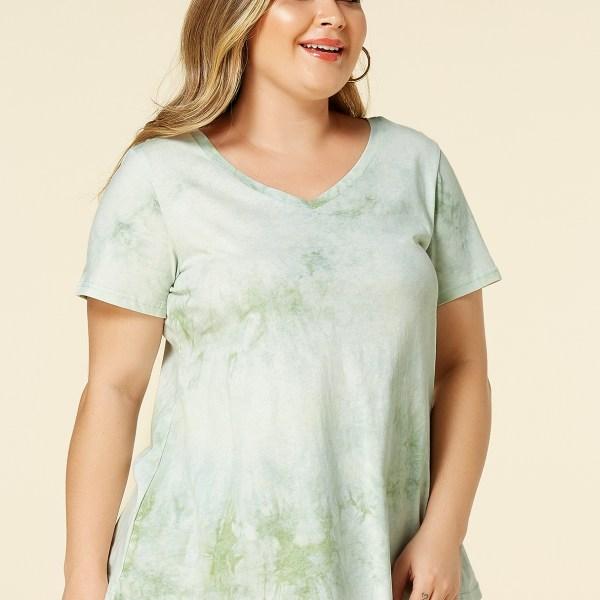 Plus Size Green V-neck Short Sleeves Tie-Dye Tee 2