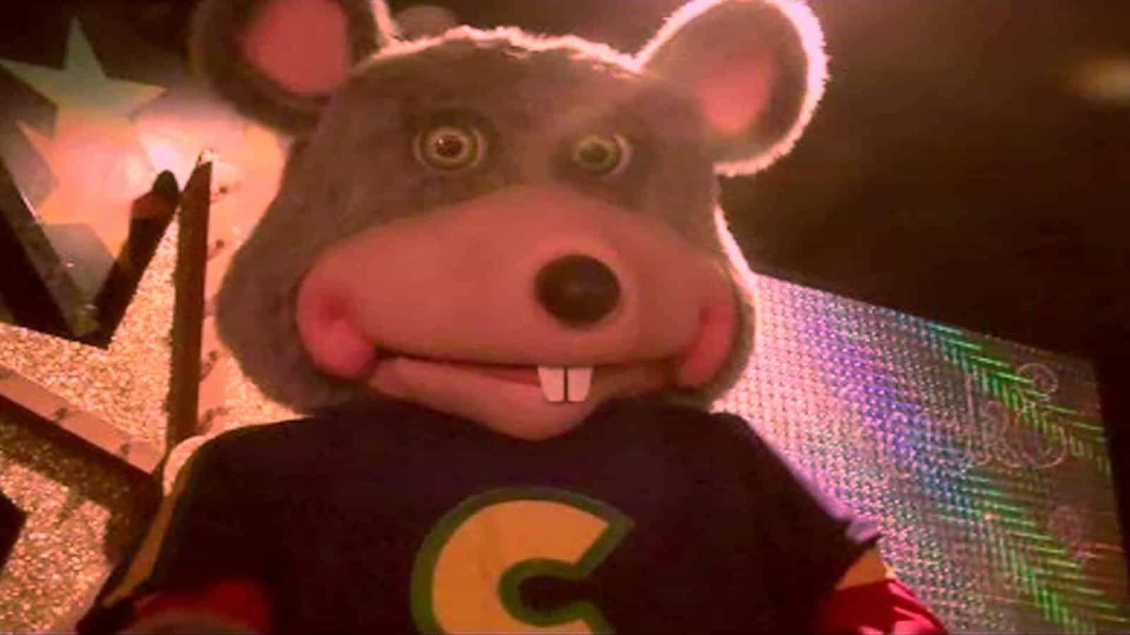 what time does chuck e cheese close on sunday